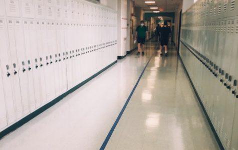 FLHS freshmen tour the hallways during oreintation.